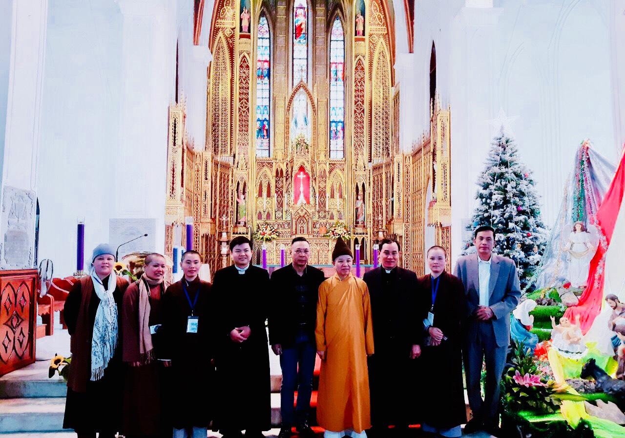 HÀ NAM:  Ban Trị Sự GHPGVN Tỉnh Hà Nam Đã Đến Chúc Mừng Các Giáo Xứ nhân lễ Giáng sinh.